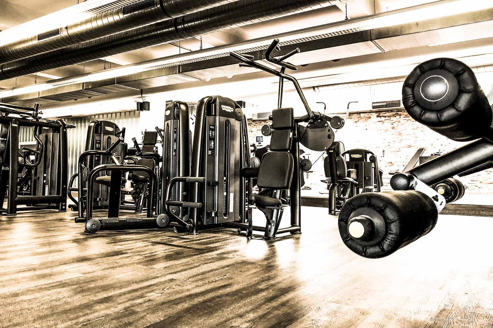 pure fitnessstudio in ludwigsburg fitnessstudio in tammerfeld. Black Bedroom Furniture Sets. Home Design Ideas